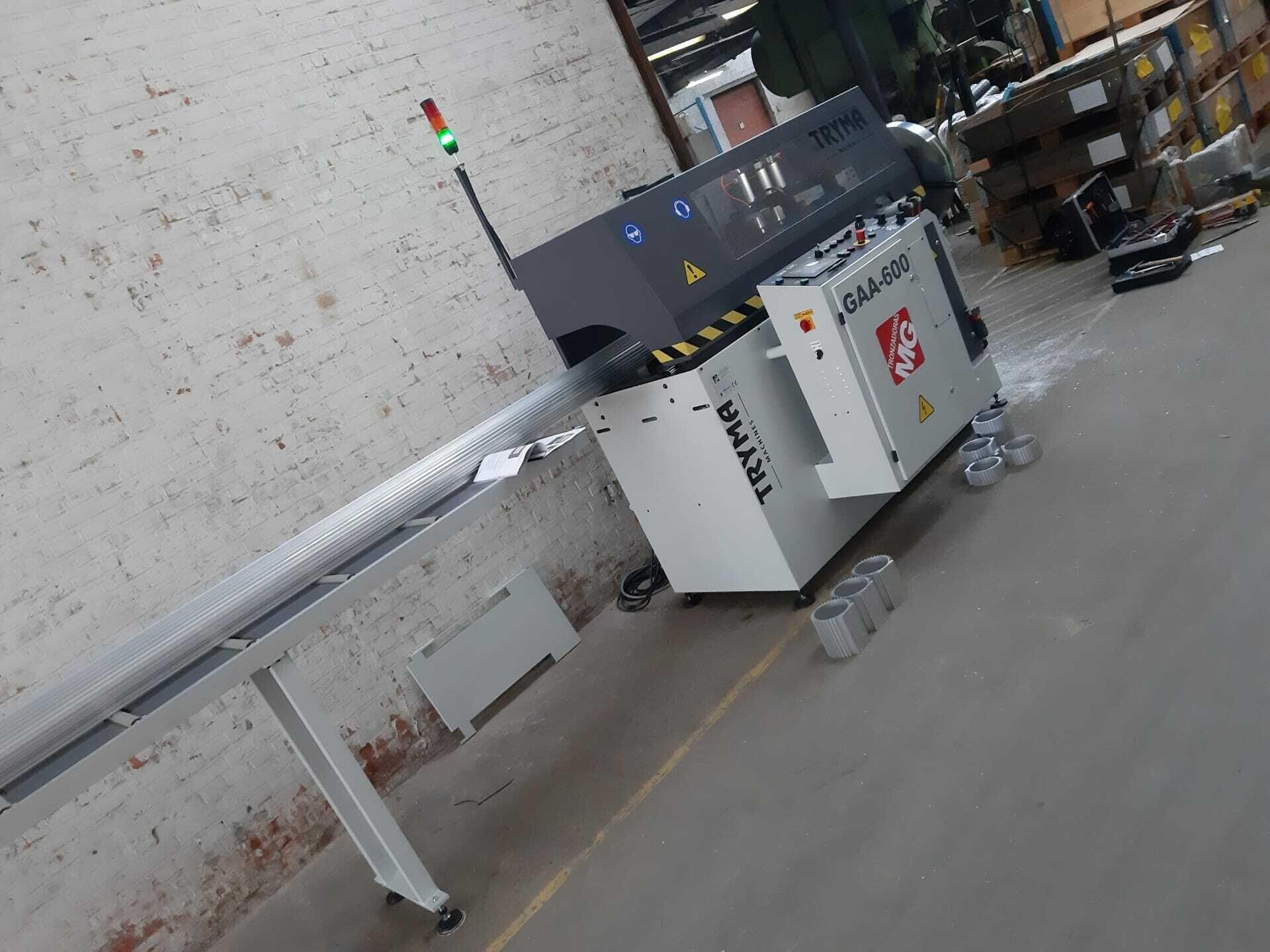 Installatie zaagautomaat type TMA-600-90°