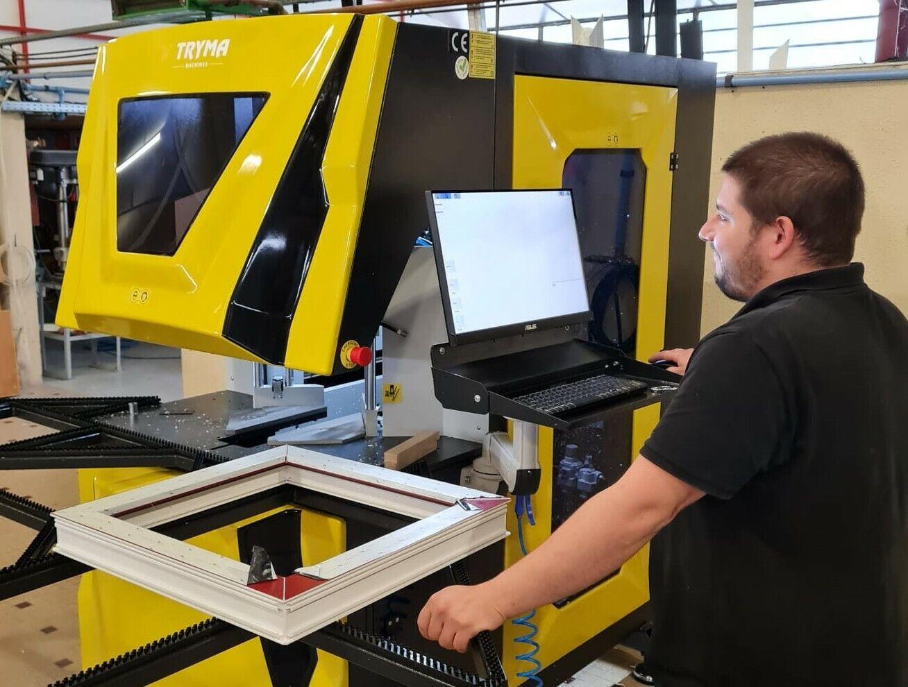 Installatie CNC gestuurde hoekenpoets