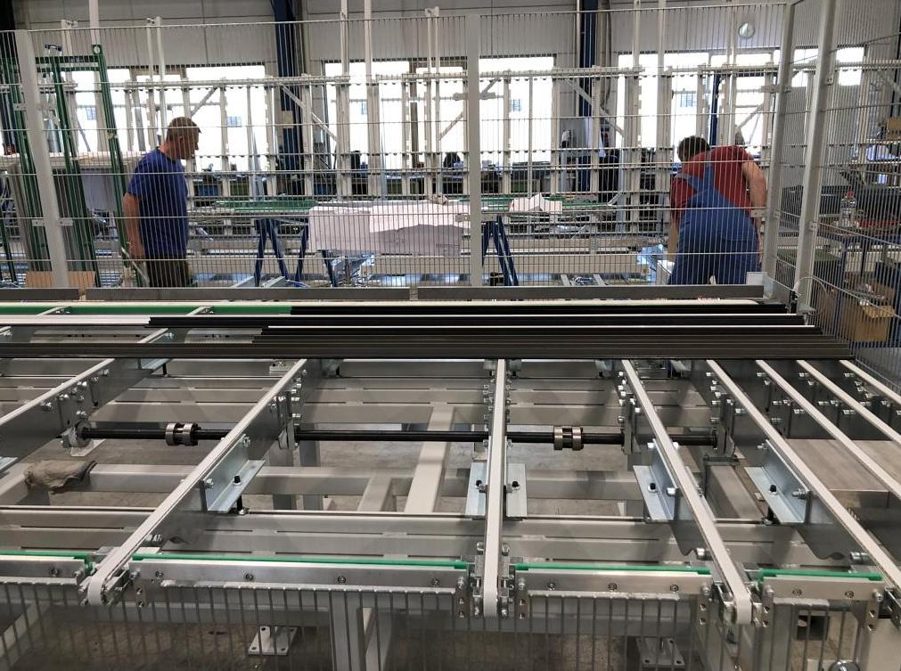 Tryma installeert machine voor het automatisch inrollen van dichtingen bij Pierret