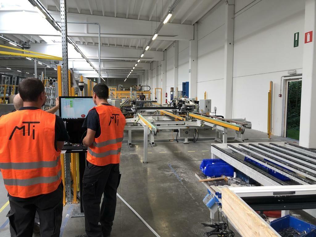 Nieuwe CNC gestuurde hoekenpers voor Pierret