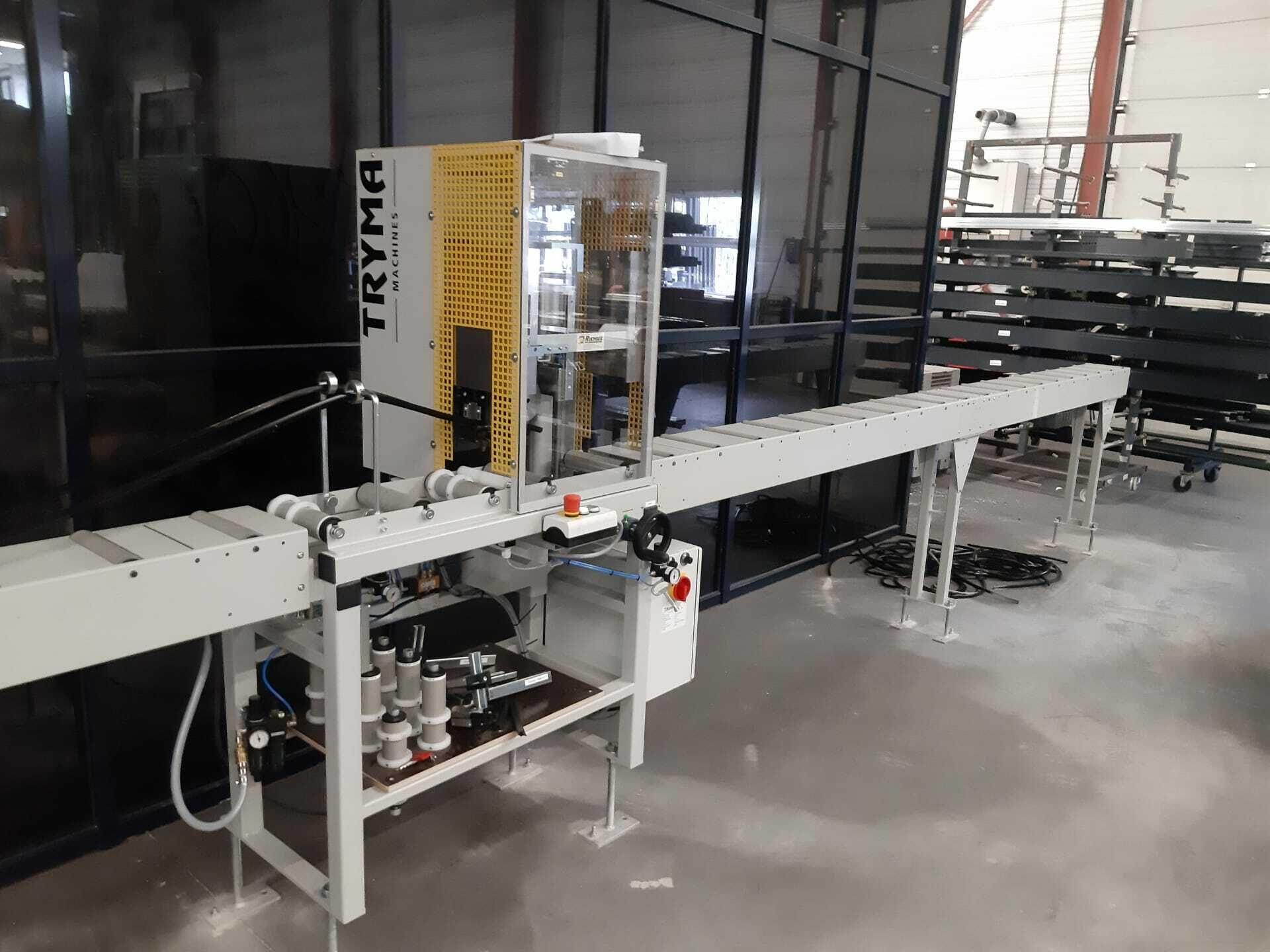 Inrolmachine voor dichtingen bij Haro Aluminium